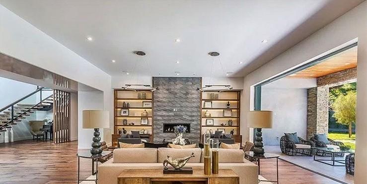 Крис Дженнер продает свой дом: как он выглядит?