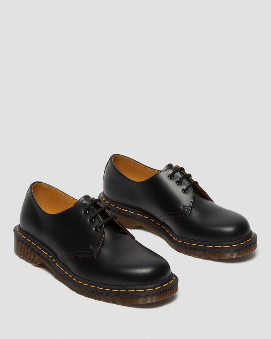 Из мужской - в унисекс обувь: какие туфли женщины забрали себе?