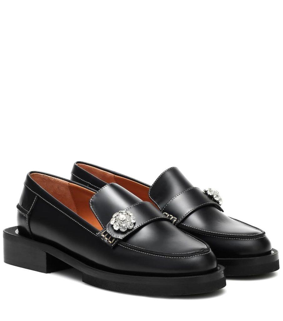 не мужская обувь лоферы