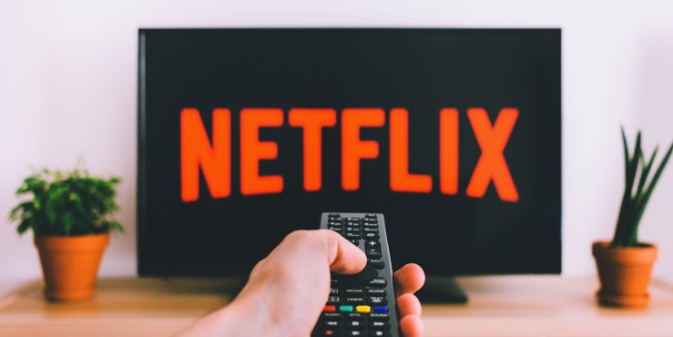 Почему Netflix увеличили стоимость своей подписки?