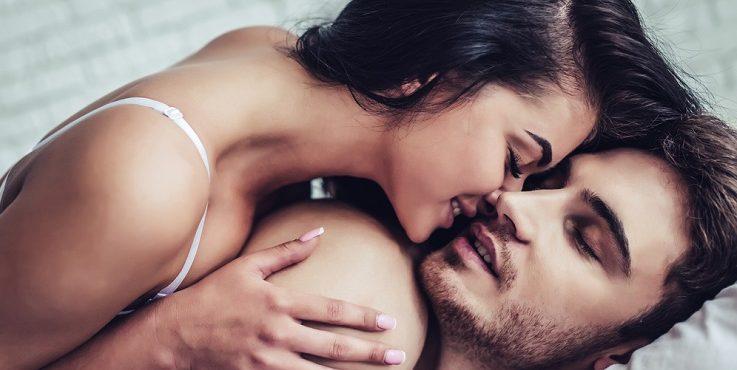 Сколько калорий мы сжигаем, занимаясь сексом и предаваясь страсти?