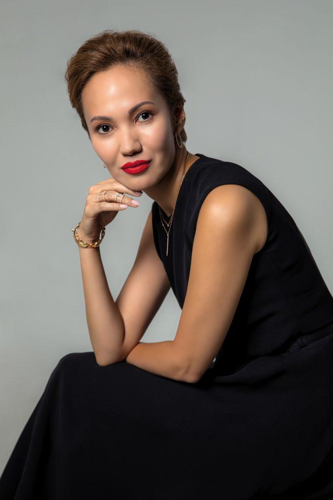 Директор казахстанских бутиков Hermès и St. Louis & Puiforcat Айжан Абушеминова - о будущем люкса после пандемии