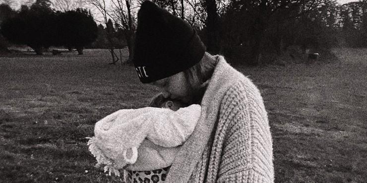 Покоряя Нью-Йорк: Джиджи Хадид поделилась новым снимком дочери