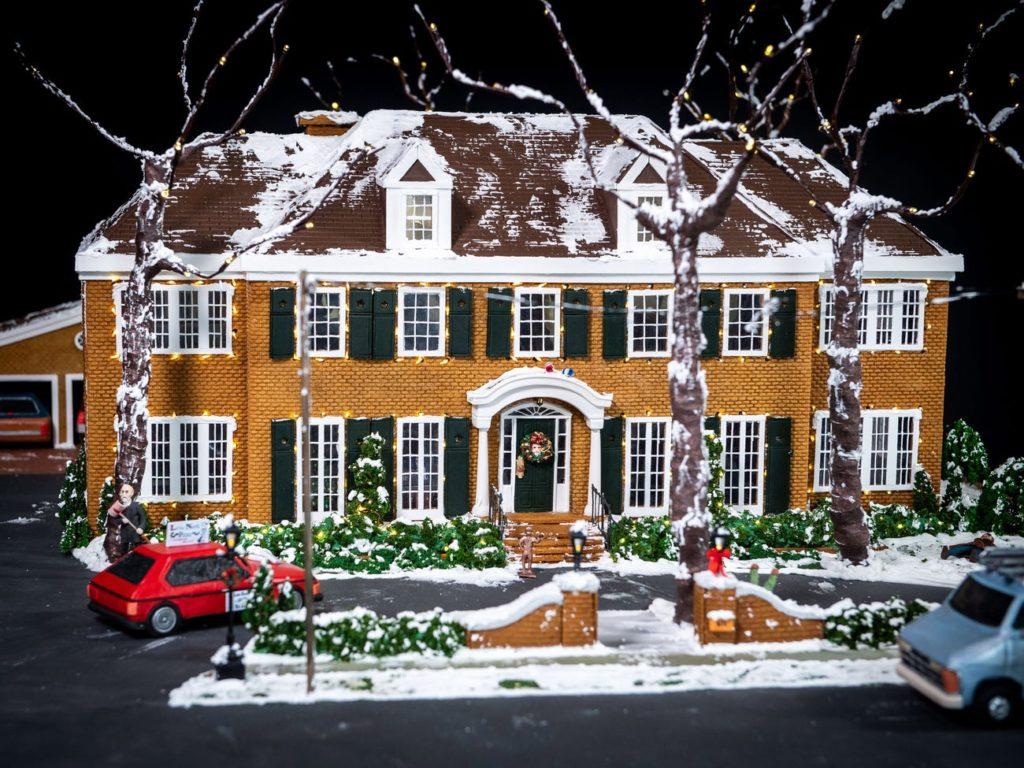 """Как выглядит пряничный домик, созданный по мотивам фильма """"Один дома""""?"""