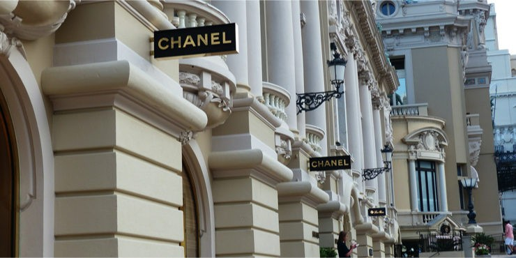 По стопам бабушки: Кто стал новым лицом марки Chanel?