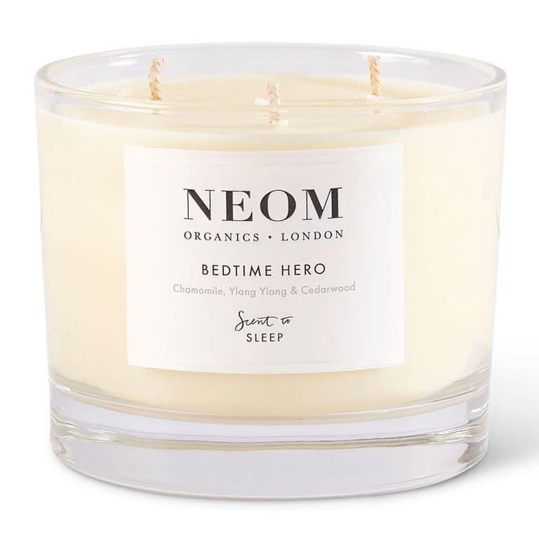 Создаем уют в доме: лучшие ароматические свечи этой зимы