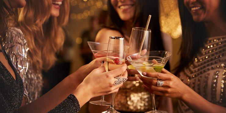 Три простых, но вкусных коктейля для новогодней ночи