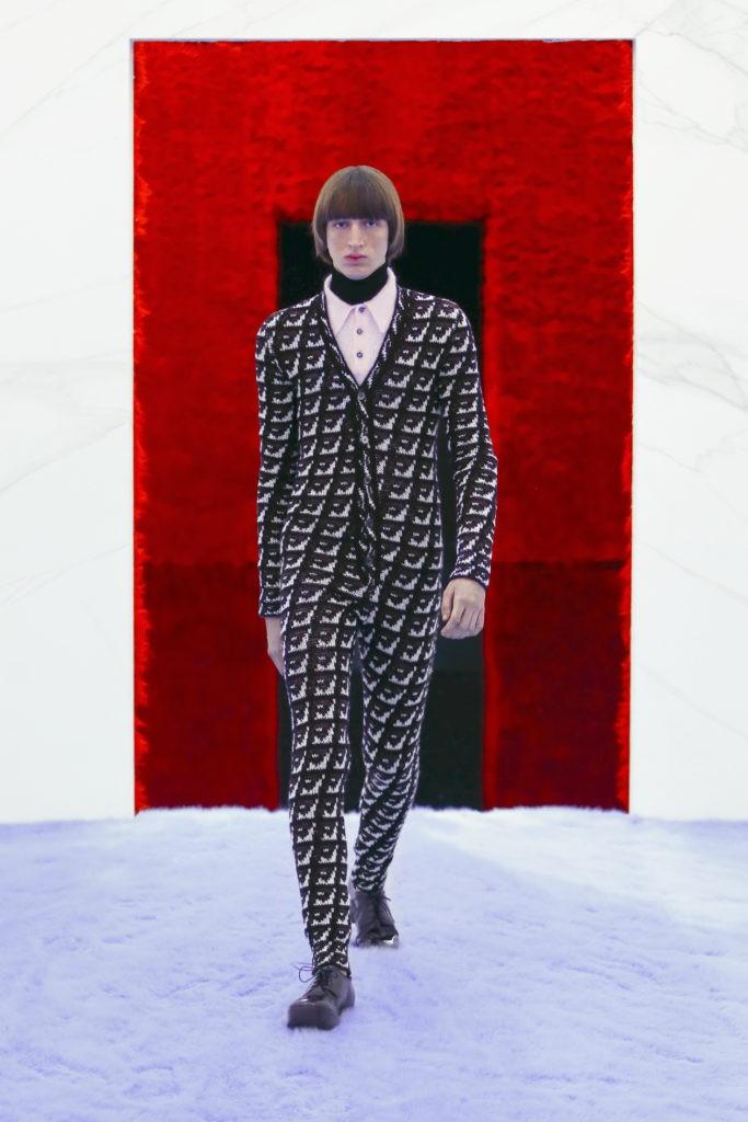 Как прошел показ мужской коллекции Prada осень - зима 2021?