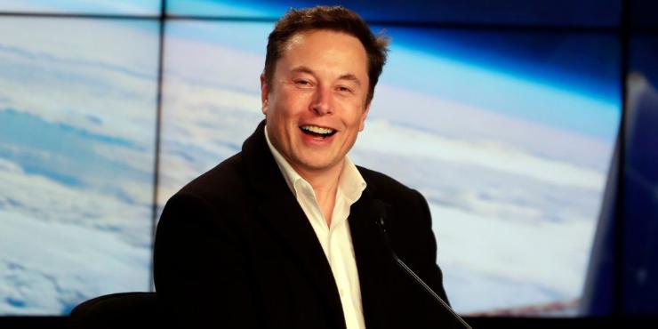 Илон Маск продал все дома и остался без крыши над головой