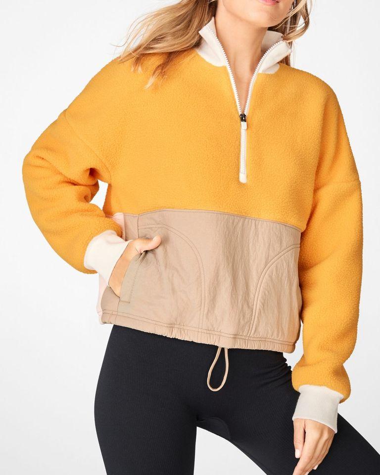 Где купить спортивную одежду девушкам plus-size?