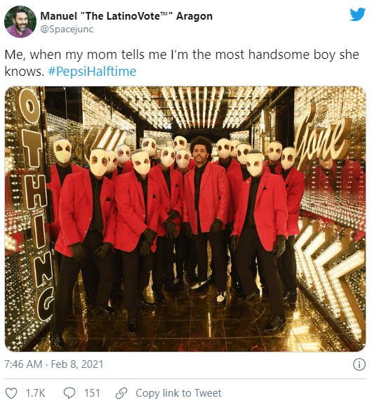 Лучшие мемы вокруг выступления The Weeknd на Super Bowl-2021