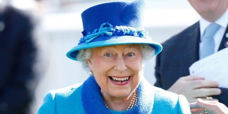 Счастливая бабуля: какой по счету правнук родился у Елизаветы II?