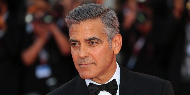 Зачем Джордж Клуни собственноручно шьет одежду своим детям и жене?