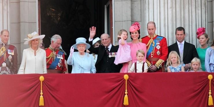В сети появился запрещенный документальный фильм о британской королевской семье