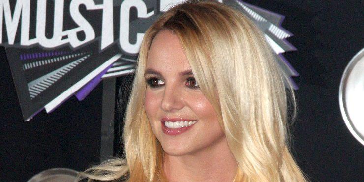 Вышла на связь: Бритни Спирс прокомментировала скандал вокруг фильма о ней