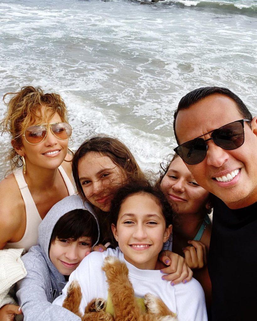 Звездные отчимы и мачехи: кто воспитывает не своих детей?
