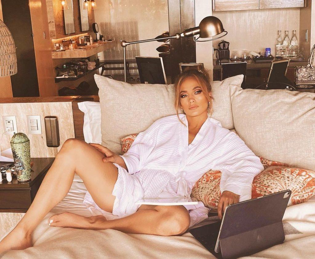 Почему Рианна, Леди Гага, Джастин Бибер и другие звезды не приехали на «Грэмми 2021»?