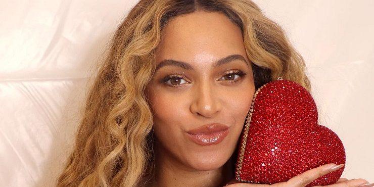 ШОК: Бейонсе целуется в губы с другим на глазах у Jay Z