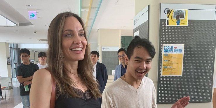 Сын Анджелины Джоли и Брэда Питта выступил в суде против отца