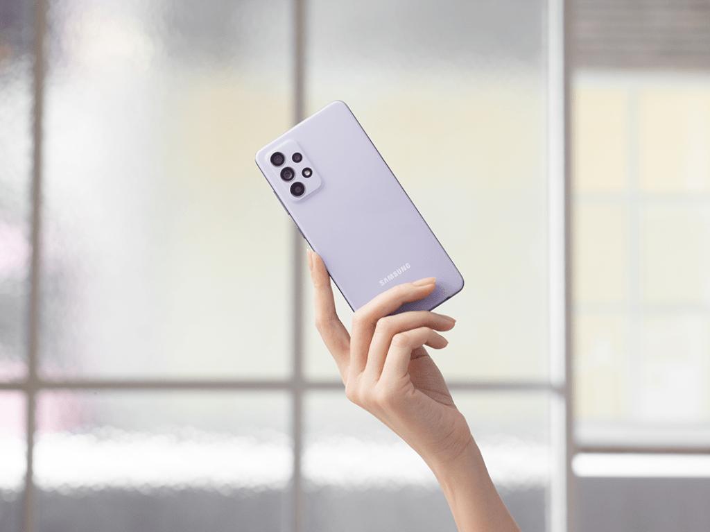 Samsung представляет Galaxy A52 и A72
