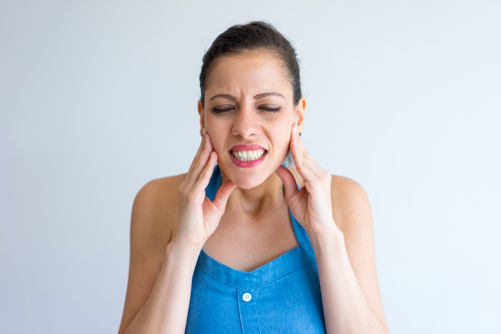 7 вредных привычек, которые портят ваши зубы