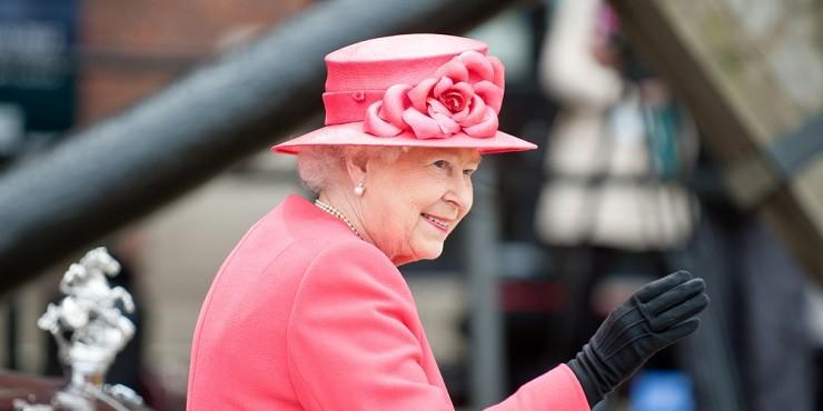 Елизавета II вычислила расиста среди своих подданных