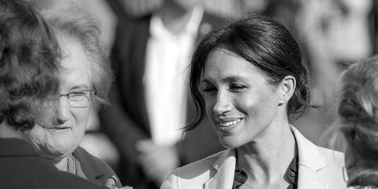 «Герцогиня затравила двух помощников»: Меган Маркл обвиняют в издевательстве над королевским персоналом