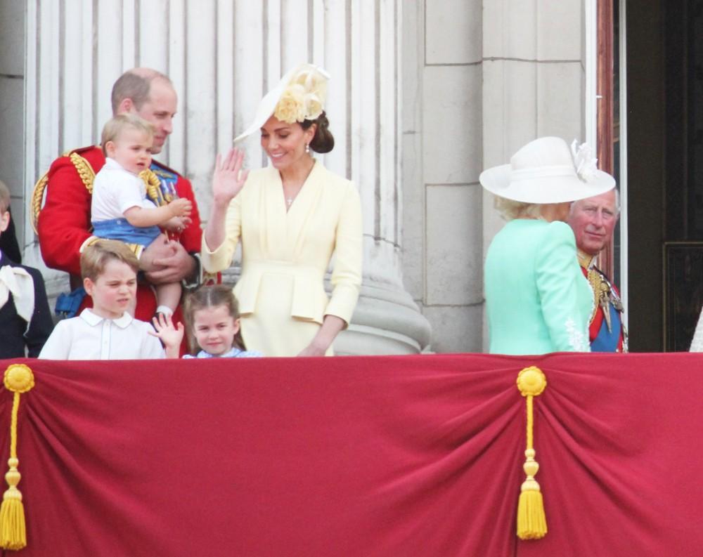 Почему сын Меган Маркл и принца Гарри Арчи не получил королевский титул?