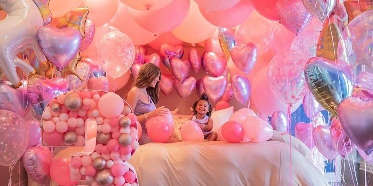 Как Хлои Кардашьян отметила третий день рождения Тру?