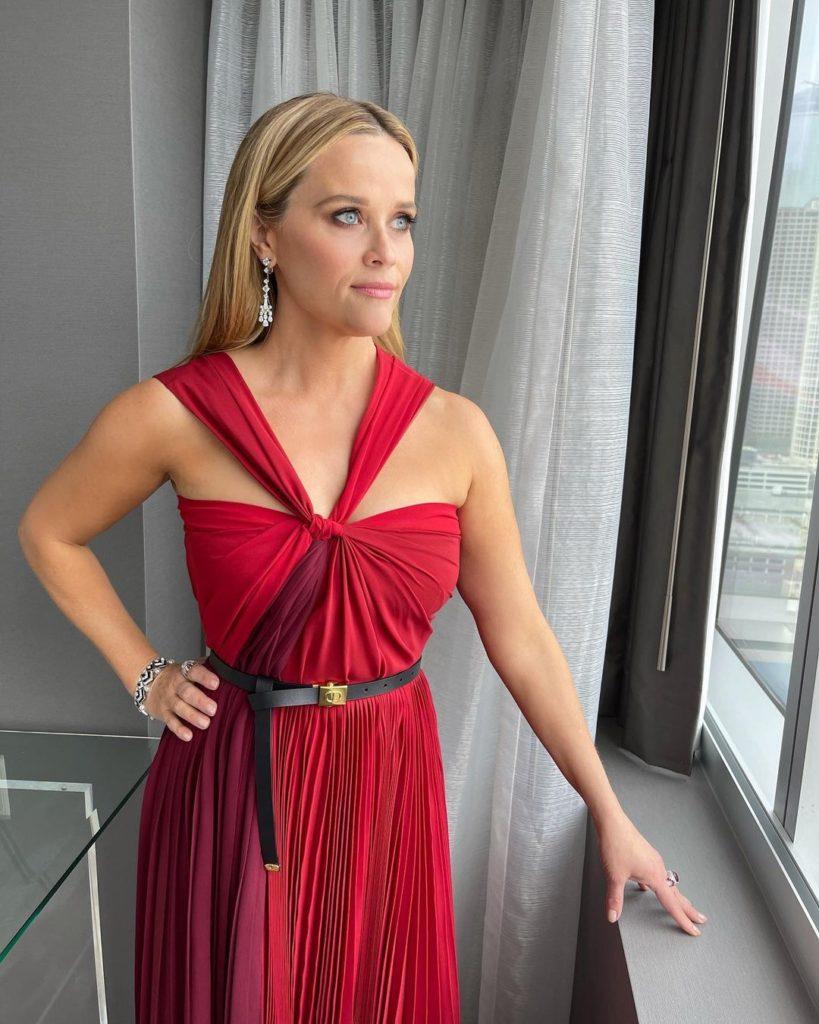 Лучшие beauty-образы с красной дорожки церемонии «Оскар 2021»