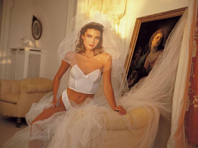 В помощь невесте: Как выбрать свадебное белье?