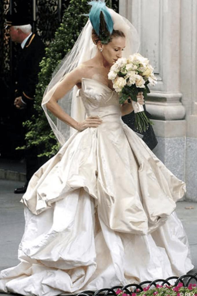 Модный приговор: Самые противоречивые образы Кэрри Брэдшоу