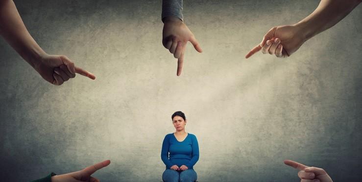 Виктимблейминг убивает: чем он опасен для жертвы преступления и общества?