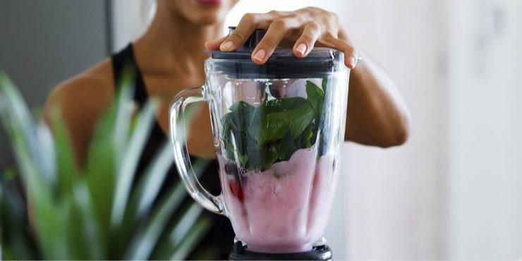 Пьем и худеем: 5 рецептов жиросжигающих смузи