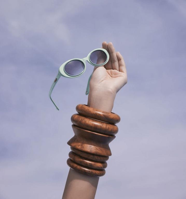 Жасмин Лариан представляет солнцезащитные очки от Cult Gaia