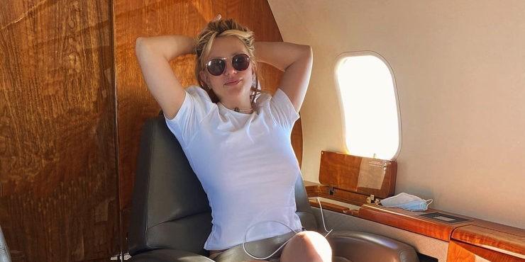 Время перемен: Бритни Спирс распрощалась с блондинистыми волосами