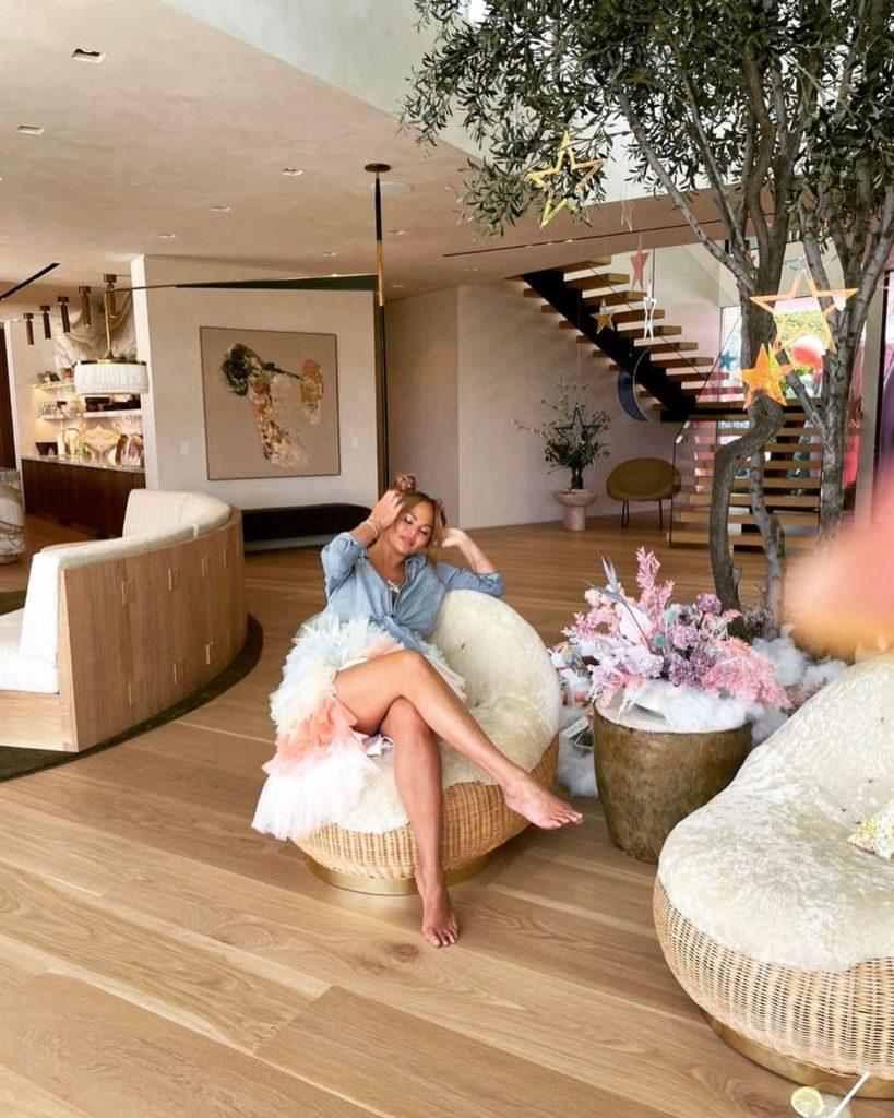новый дом Крисси Тейген и Джона Ледженда