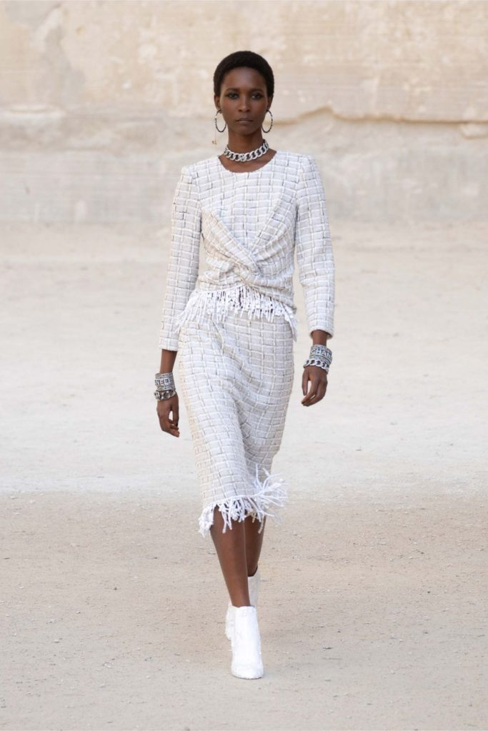 Chanel представили коллекцию Cruise 2022, посвященную Жану Кокто