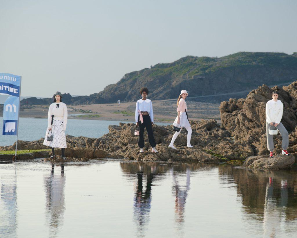 Miu Miu приглашают отправиться в морское путешествие в новом сезоне