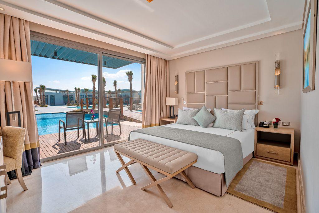 С королевскими почестями в Rixos Premium Magawish Suites & Villas