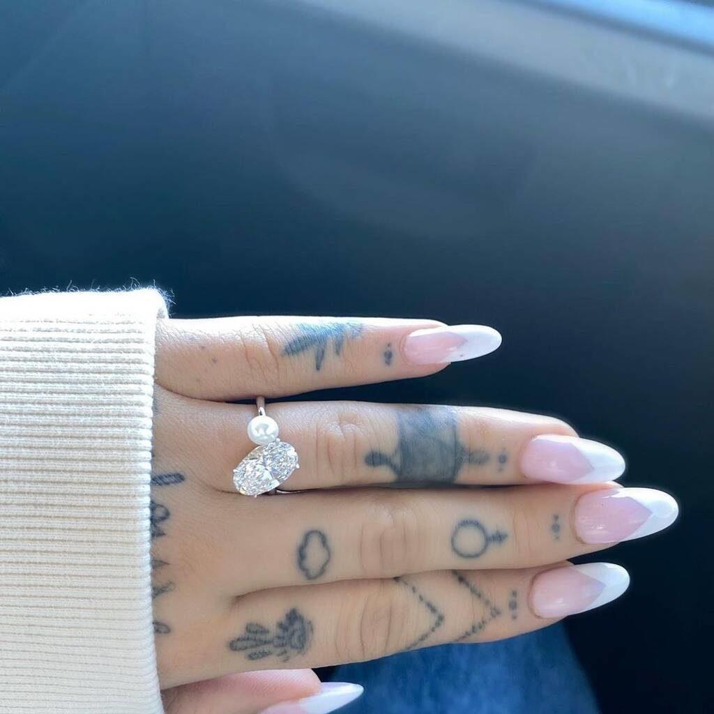 Тайная свадьба: Ариана Гранде вышла замуж?