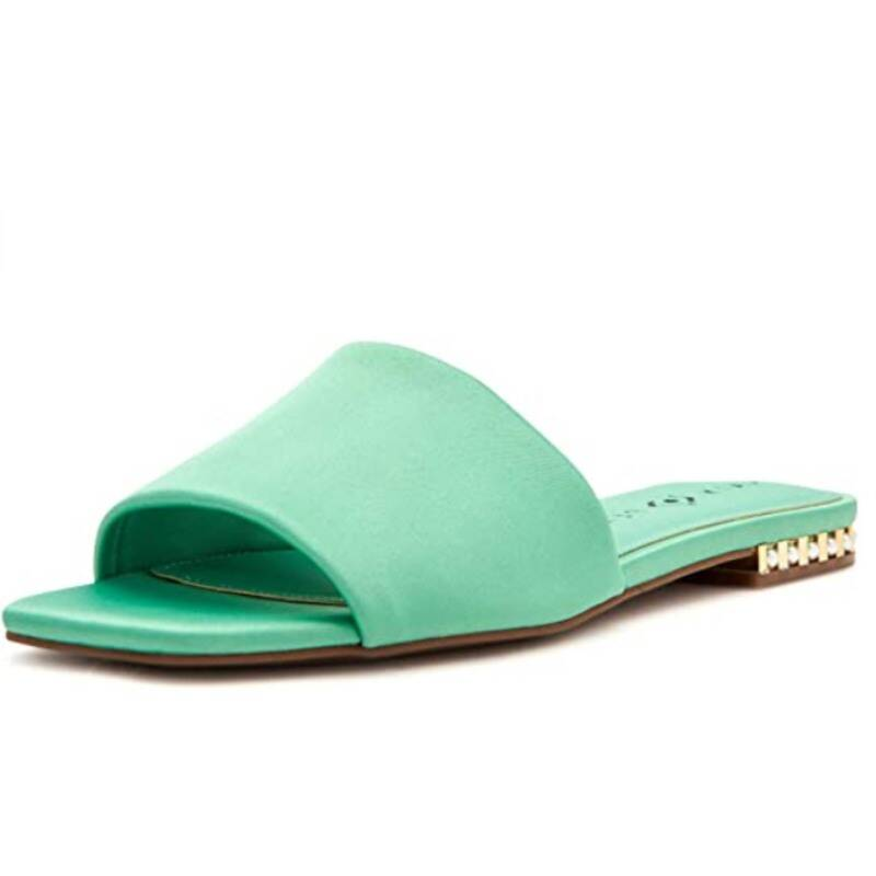 Кэти Перри разработала идеальную коллекцию обуви на лето
