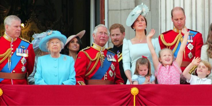 Королева Елизавета II станет прабабушкой в 11 раз: кто во дворце забеременел?