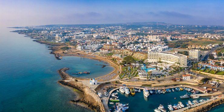 Как казахстанцы могут улететь отдыхать на Кипр?