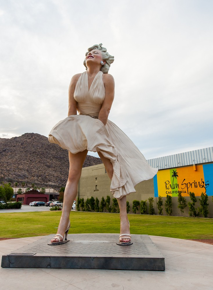 Почему жители Калифорнии не хотят видеть памятник Мэрилин Монро?