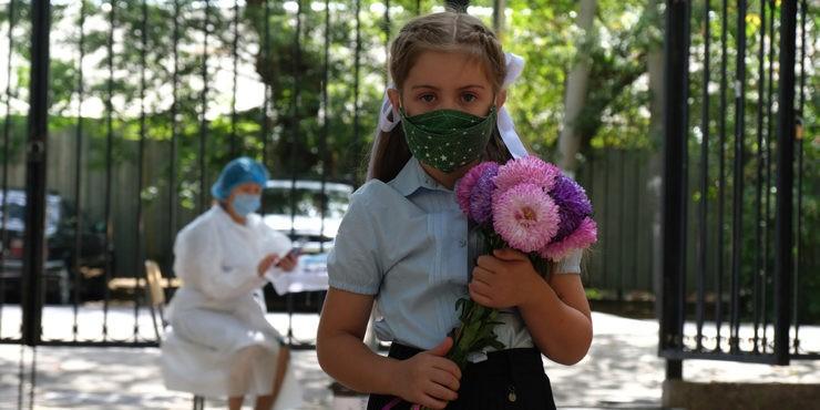 Когда завершится учебный год для казахстанских школьников?