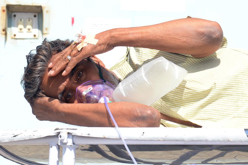 """В Индии из-за болезни """"черная плесень"""" пациентам удаляют глаза"""