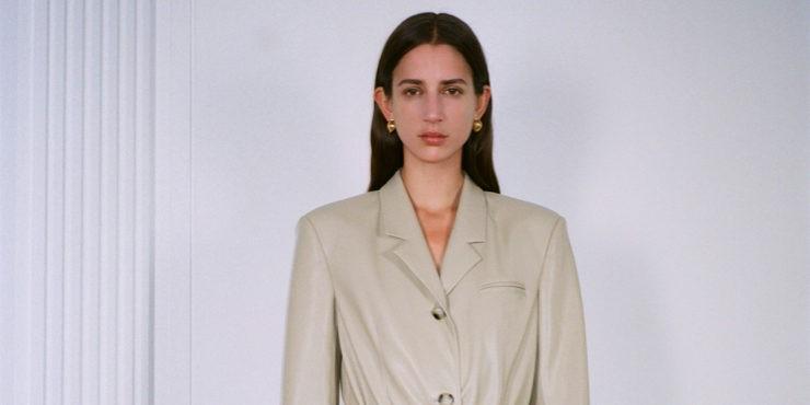 Nanushka задают тренд на минимализм в новой круизной коллекции