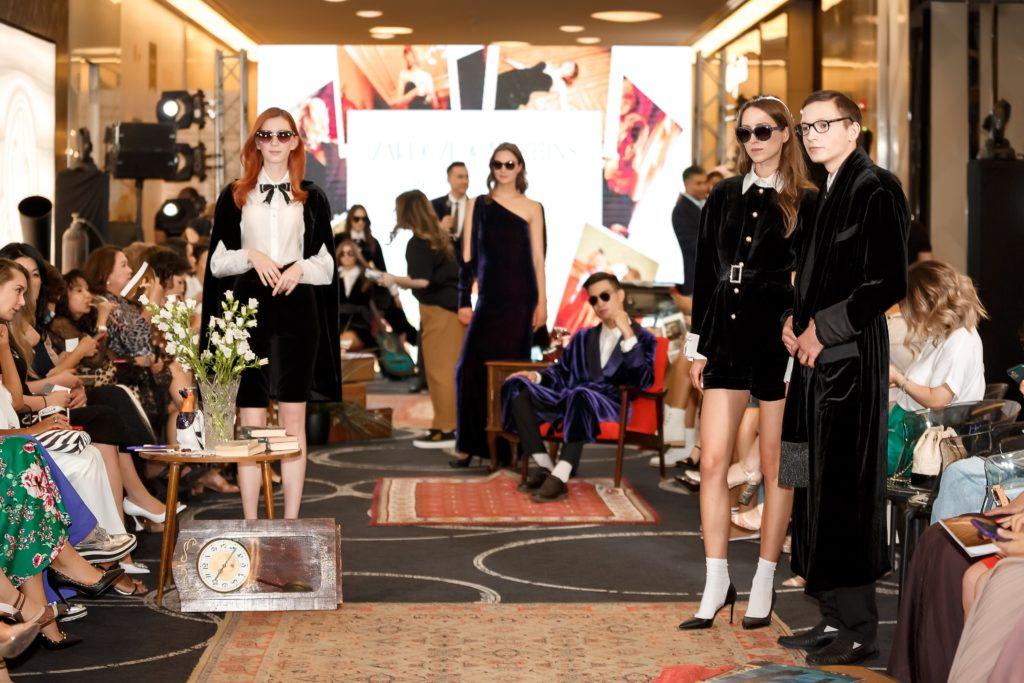 Лариса Азанова, Виктория Моминбаева и Валентина Дурумбетова на показе капсульной коллекции Zardozi