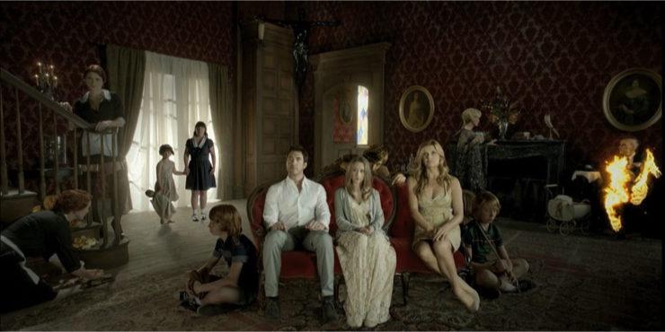 Дом-убийца снова в деле: В сети появился постер спин-оффа сериала «Американская история ужасов»